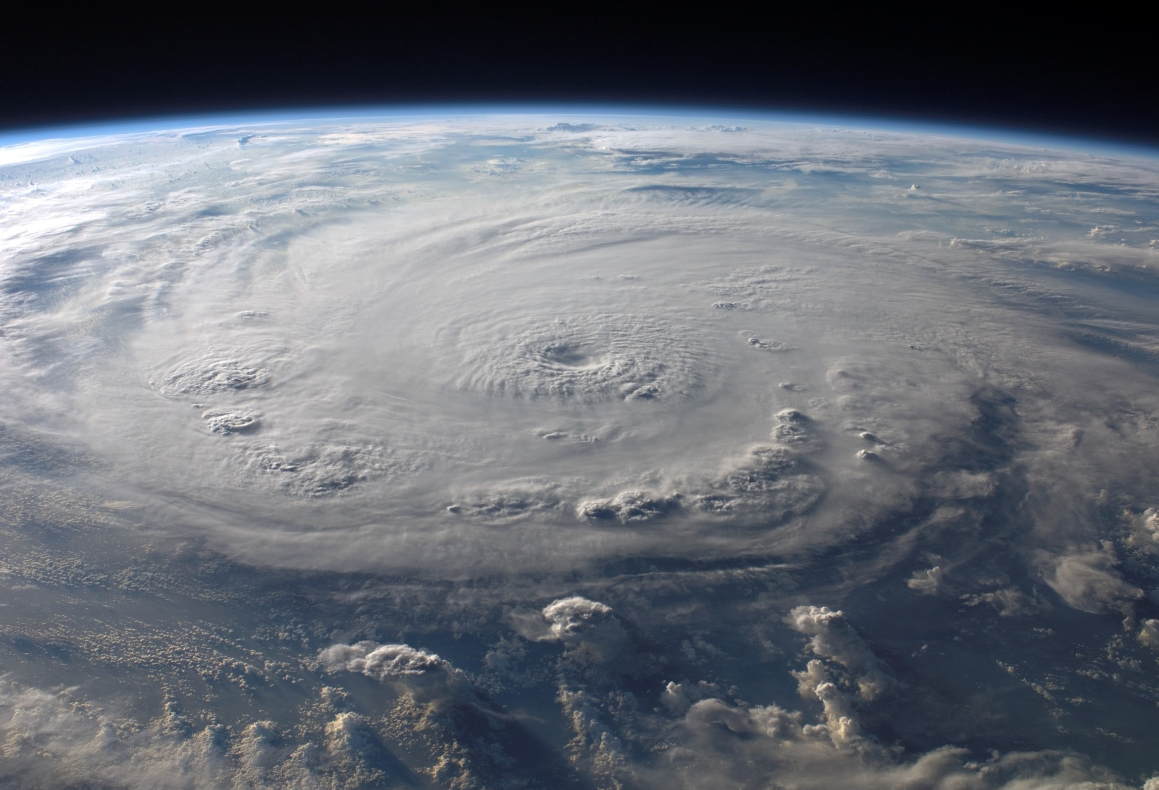 cold_front_warm_front_hurricane